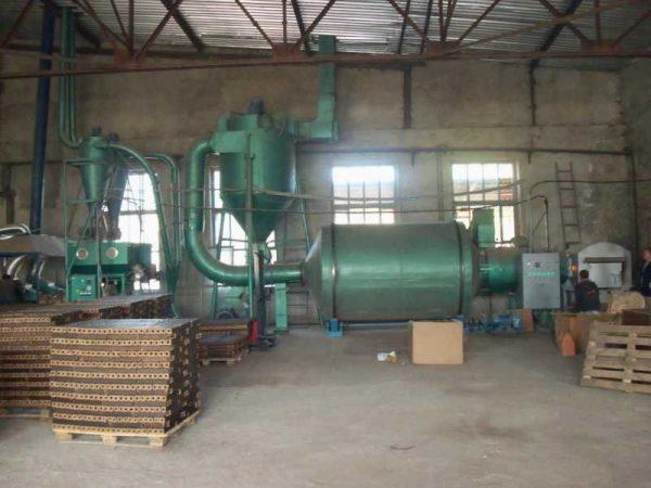 Производство брикетов в цеху