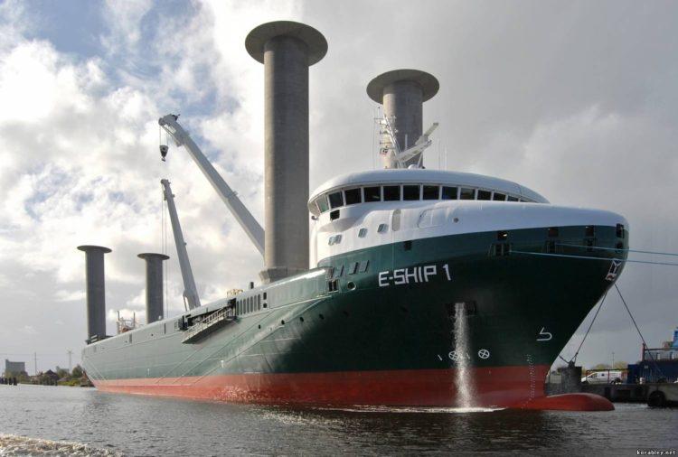 Корабль под парусами Флеттнера
